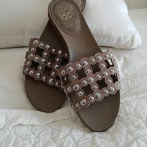 bcafa7acae4 Vince Camuto slide sandals.
